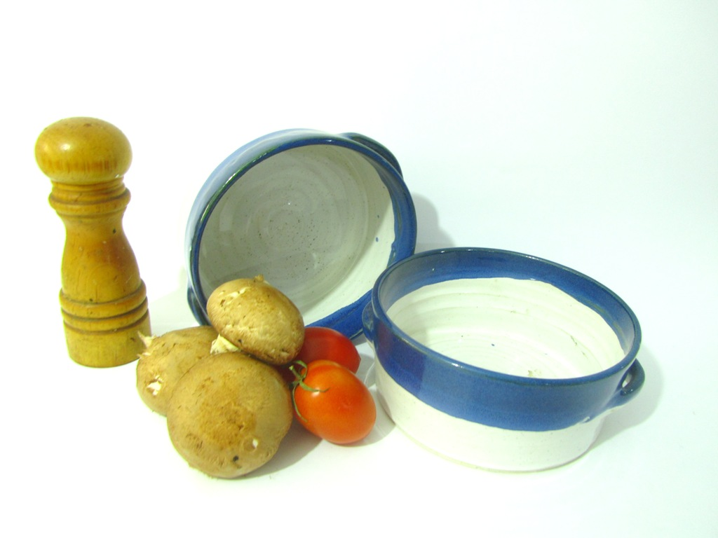 Oven to tableware, pottery cooking utensils, pie dish