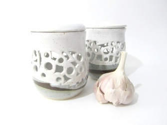 Kitchen Accessories, Pottery Kitchenware, Garlic Pot, Garlic Jar